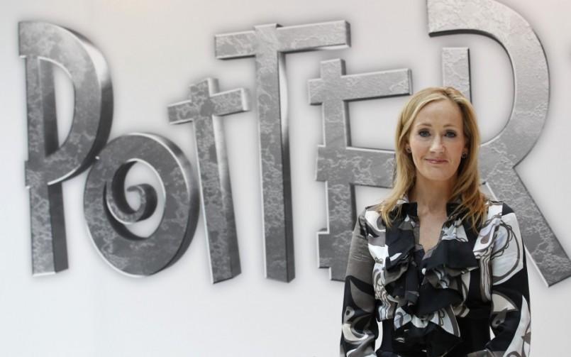 JK Rowling e outros escritores publicam sob pseudônimo