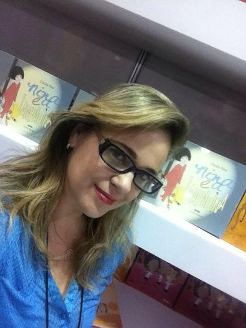 Claudia Nina, autora de Nina e a lamparina