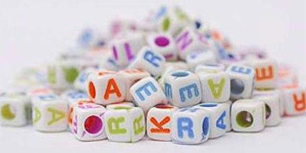cubos com nome de personagem