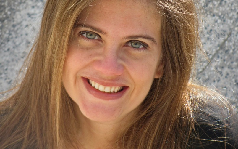 A jornada literária de Angélica Lopes