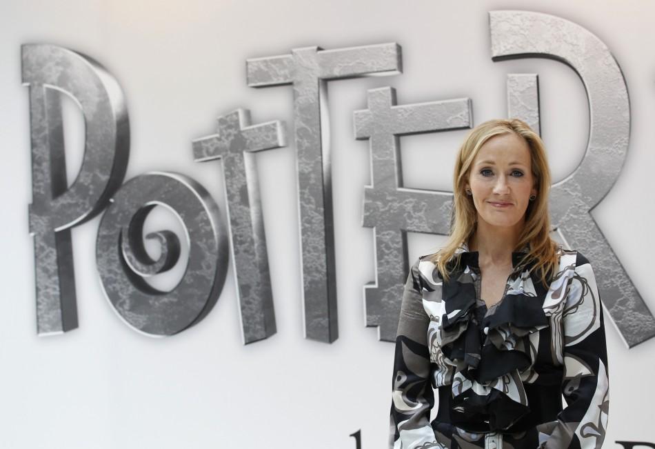 pseudônimo de JK Rowling